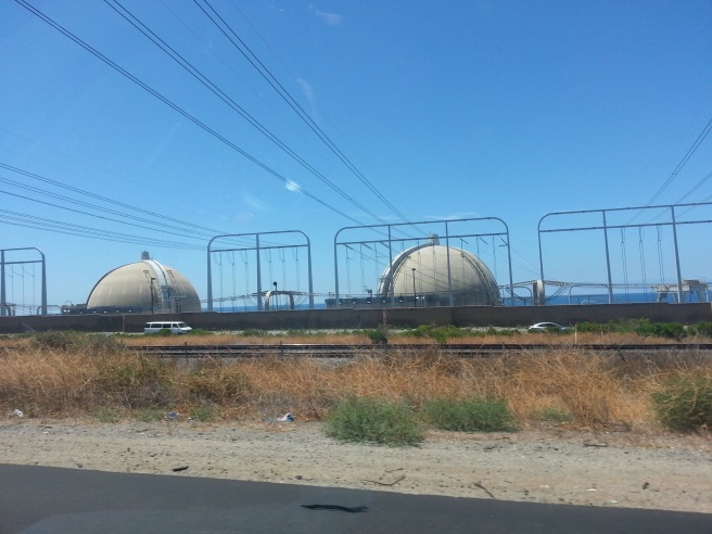 San Onofre Nuclear Generating Plant by www.southocbeaches.com