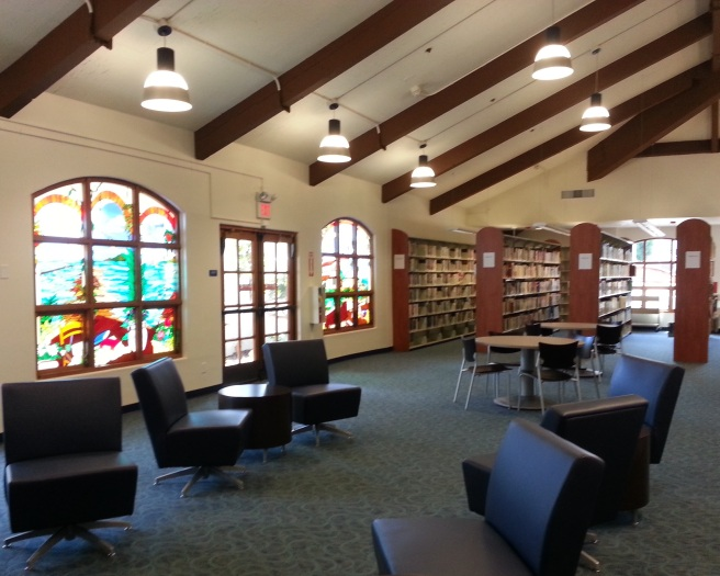 San Clemente Library by www.southocbeaches.com