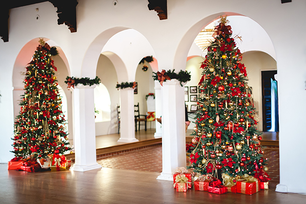 Casa Romantica Holidays Courtesy of CasaRomantica.org